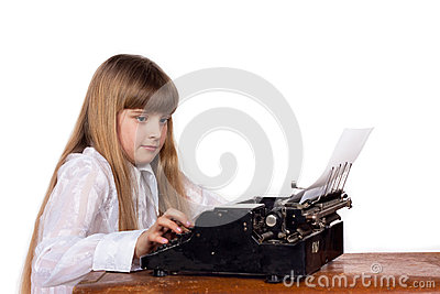 Girl print on the typewriter