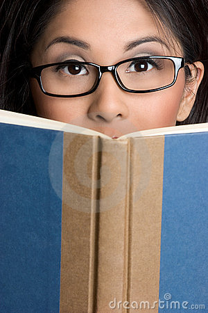 Free Girl Reading Book Royalty Free Stock Image - 9452936