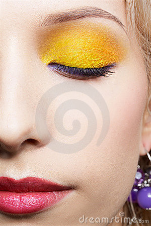 Girl s eye-zone make-up