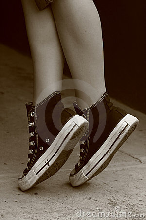 Girl s feet in converse sneakers (6)