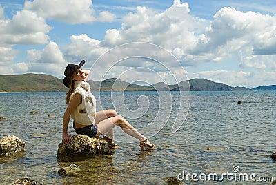 The girl and sea