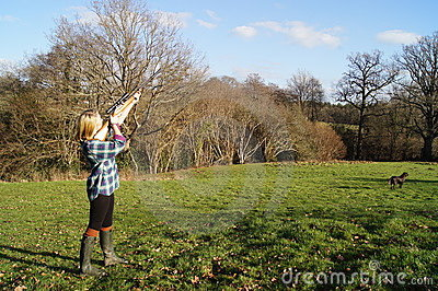 Girl Shooting Game