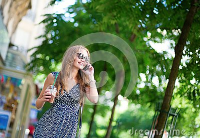Girl speaking on the mobile phone