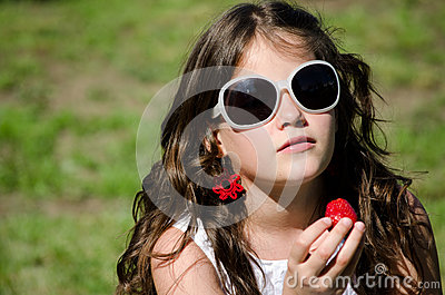 Girl with sunglasses