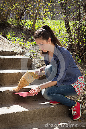 Free Girl Sweeps Steps Stock Photography - 30484022