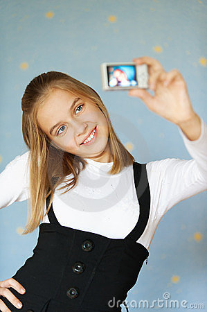 Girl-teenager photographed itself