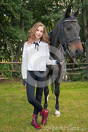 Free Girl Teenager With A Horse Stock Photo - 112623740