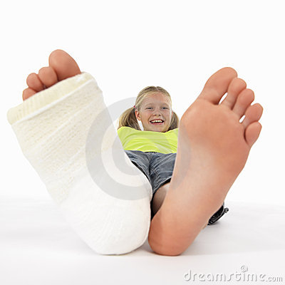 Free Girl With A Broken Leg Royalty Free Stock Photography - 1530977