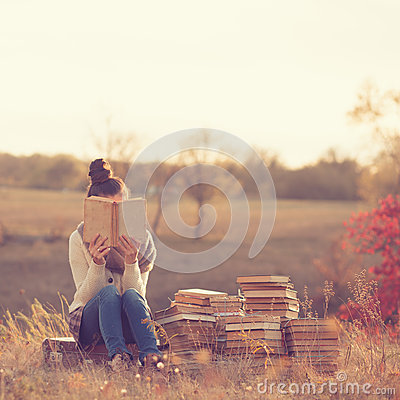 Free Girl With Books Royalty Free Stock Photos - 45210968