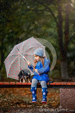 Free Girl With Chihuahua Dog In Autumn Park Royalty Free Stock Photography - 127189117