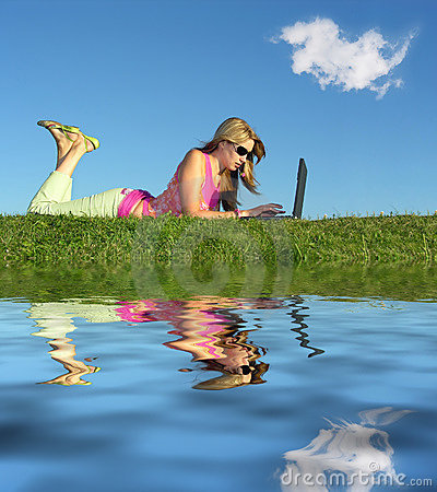 Free Girl With Notebook Water Royalty Free Stock Photos - 1024668