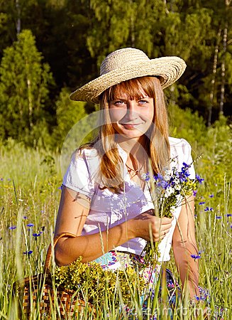 Free Girl With Wildflowers Royalty Free Stock Image - 30490596