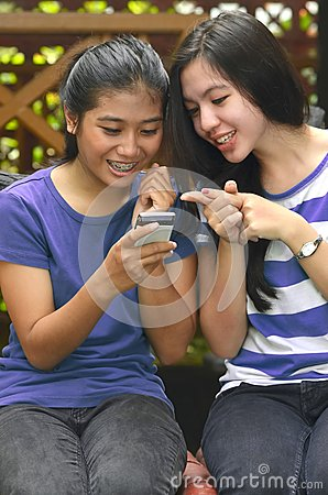 Girls Activity: Using Smart phone