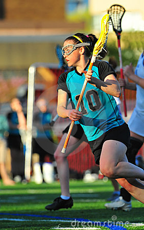 Girls Lacrosse on the move