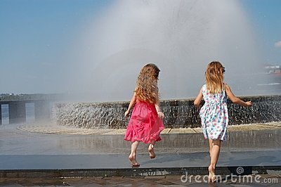Girls near the fountain