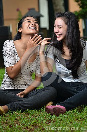 Girls sharing story or gossip 04
