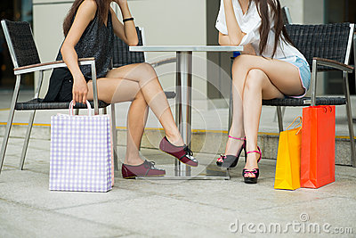 Girl�s shopping