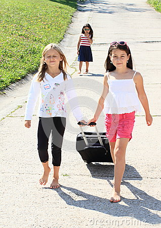 Girls with suitcase leaving their sister