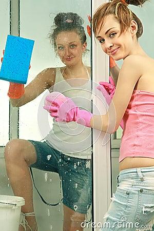 Free Girls Washing The Window Stock Photography - 21209762