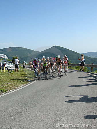 Giro Италия 2009 велосипедистов d Редакционное Изображение