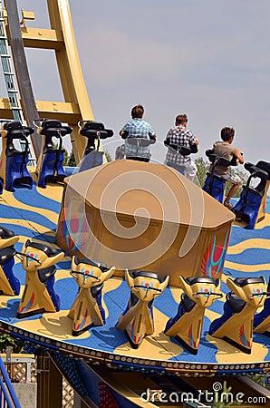 Giro della ruota del parco di spettacolo Fotografia Editoriale
