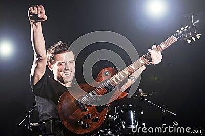 Gitarraktör