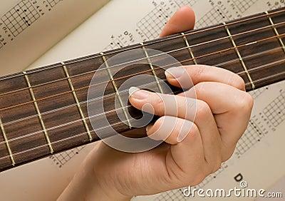 Gitarzysty instrumentu muzykalne muzyka sztuka