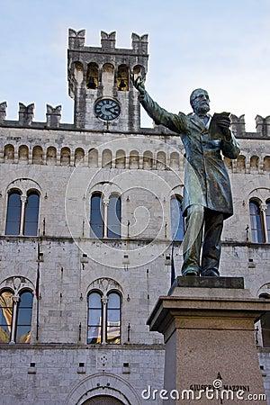 Giuseppe Mazzini s statue