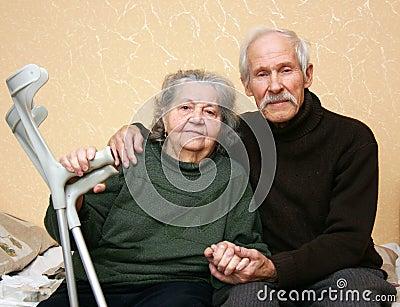 Glückliche ältere Paare