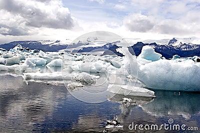 Glacier lake Jokulsarion