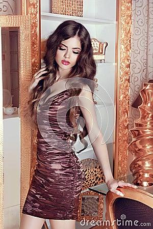 Free Glamorous Beautiful Girl Model With Long Wavy Hair. Female Posin Royalty Free Stock Photos - 41893028