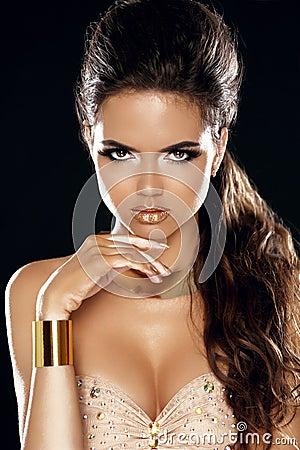 Glamour Lady. Fashion Beauty Girl. Gorgeous Woman Portrait. Styl
