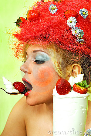 Free Glamour Strawberry Girl Royalty Free Stock Photography - 2109927