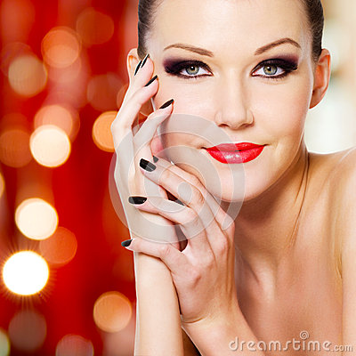 Glamour woman with reds lips