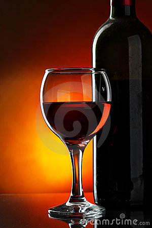 Free Glass And Bottle Of Red Wine Stock Images - 11780904