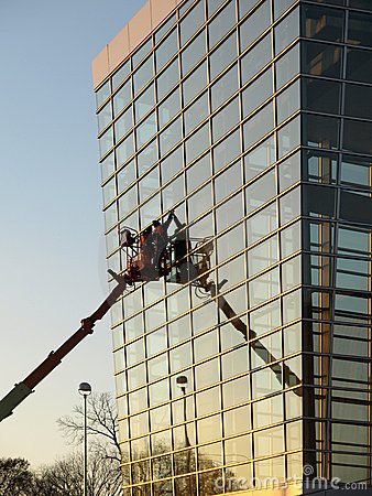 Free Glass Building Window Washers Cherry Picker Royalty Free Stock Photo - 7539175