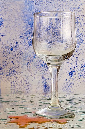 Glass with a colored background