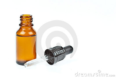 Glass dropper filled with moisturizing concentrate