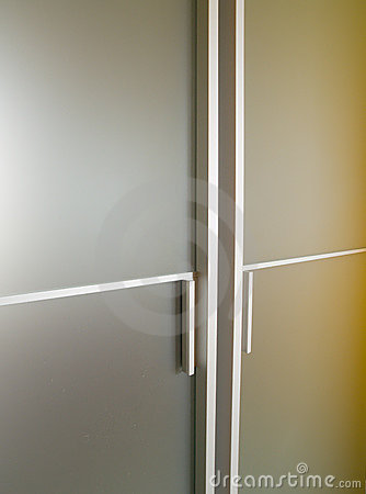 Free Glass Modern Door Royalty Free Stock Images - 5759419