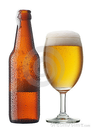 Free Glass Of Beer With Bottle Royalty Free Stock Photography - 9961737
