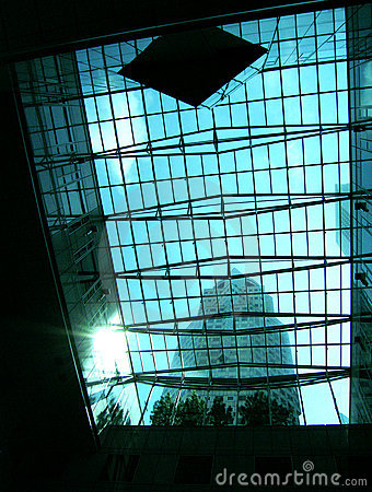 Free Glass Of Office Tower Building & Sunburst Royalty Free Stock Photo - 4973825