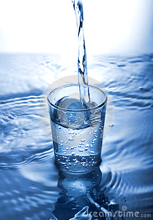 Free Glass Of Water Stock Photo - 33904370
