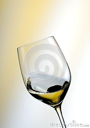 Free Glass Of White Wine Royalty Free Stock Photos - 14784528