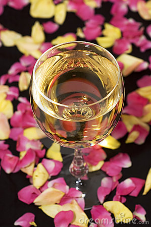 Free Glass Of Wine With Leaves Royalty Free Stock Image - 13802566