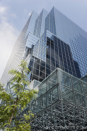 Free Glass Office Tower Stock Image - 8057891