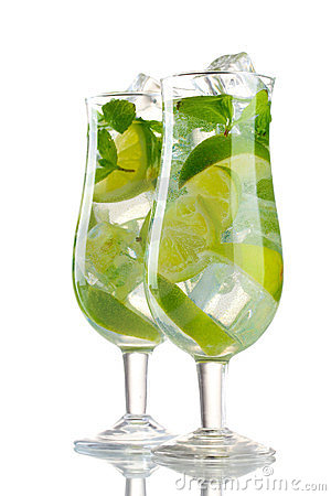 Glasses of cocktail with lime and mint