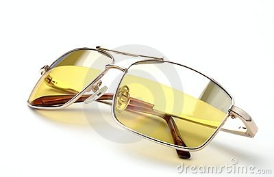 Glasses with colored glass