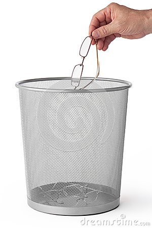 Free Glasses In The Dustbin Stock Images - 32599024