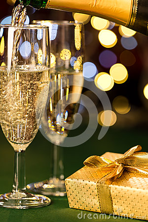 Free Glasses Of Champagne And Present Special Occasion Stock Photography - 33696942
