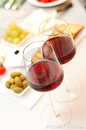 Free Glasses Of Wine With Food Stock Photography - 1506852